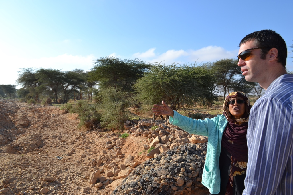 HB 3.12 | Environmental and aid pioneer Fatima Jibrell, who founded Adeso Africa, explains the troubles of desertification while filming with HB and Drewstone's Seth Chase in Somalia. Photo Daniel J Gerstle.